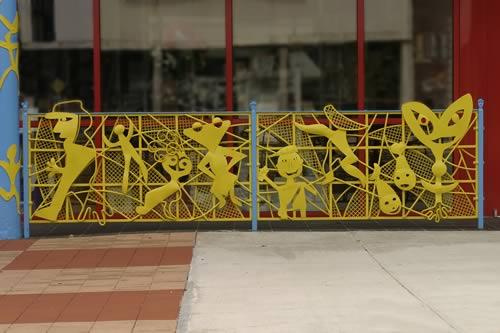 childrens-museum-railing