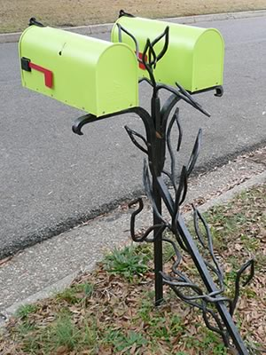 Double Mailbox Stand