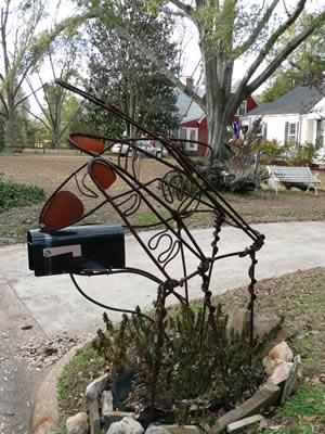 mailbox-sculpture-3