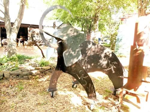 mammoth-sculpture