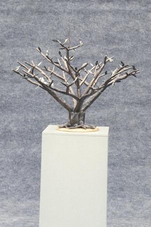 metal-ornament-tree